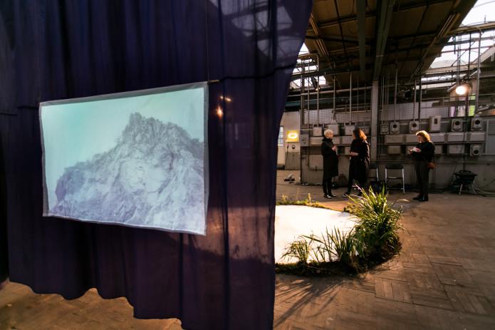 Tuan Mami's performative installation at Art Rotterdam 2017