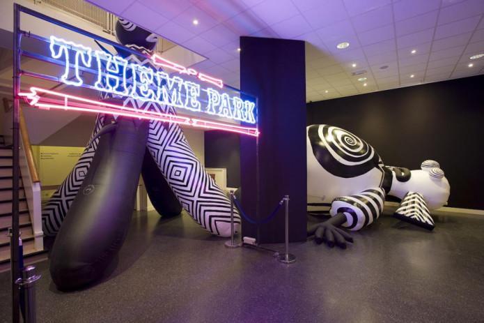 Theme Park; installaties van Brook Andrew in het Museum voor hedendaagse Aboriginal kunst. Foto's voor gebruik in een catalogus. Opnamedatum: 13-10-2008 _MG_2259